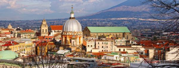 Blick auf Dom in Neapel