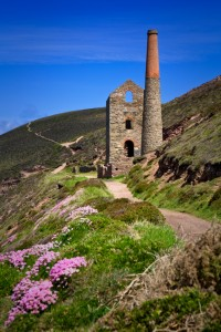 Weg in den Hügeln Cornwalls
