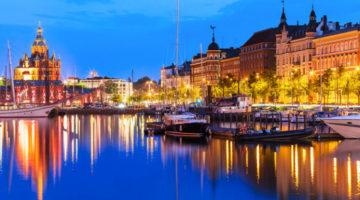 Helsinkis Altstadt am Abend