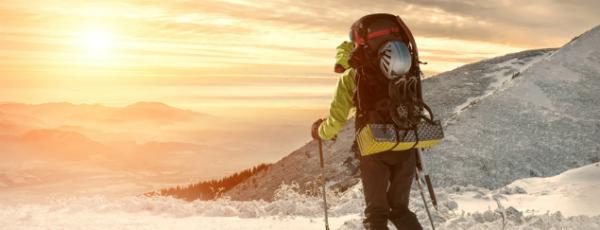 Skirucksäcke im Test – Welcher hält im Schnee stand?