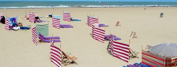erholung am strand gesch tzt mit einem sicht und. Black Bedroom Furniture Sets. Home Design Ideas