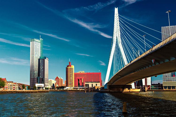 Sehenswürdigkeiten in Rotterdam: Die Erasmusbrücke