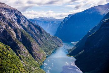 Blick vom Rimstigen Wanderung zum Nærøyfjord unten