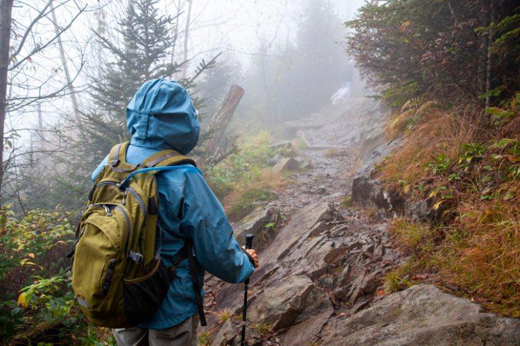 Wanderer bei Regen