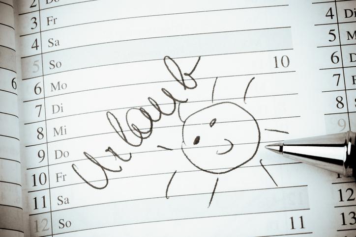 Kalender mit der Schrift Urlaub