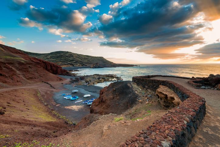 El Golfo in Lanzarote bei Sonnenuntergang