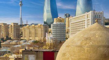 Baku Innenstadt bei sonnigem Wetter