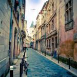 Kleine Gasse in der Innenstadt in Bordeaux